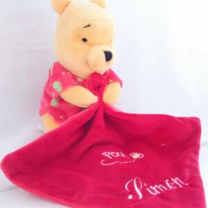 doudou-disney-winnie-l-ourson-phosphorescent-rouge-bebe-garcon-personnalise-prenom-broderie-simon